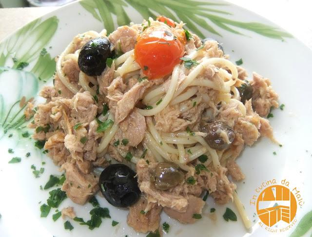 In cucina da malu 39 spaghetti con tonno pomodorini e olive - Cucinare tonno fresco in padella ...