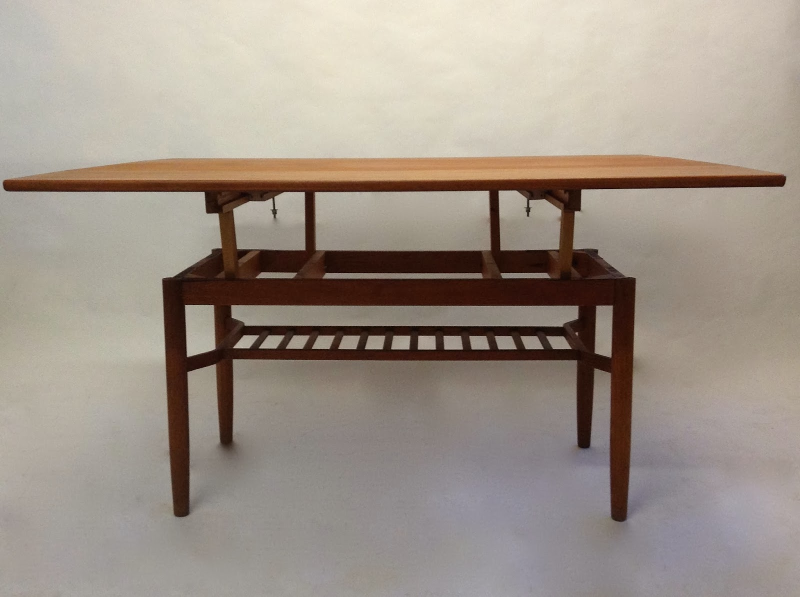 Table scandinave tingstr ms - Table monte et baisse ...