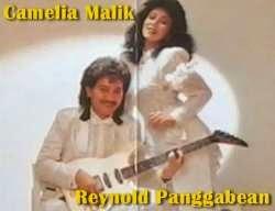 Camelia Malik dan Reynold Panggabean di Cover Album Tarantula