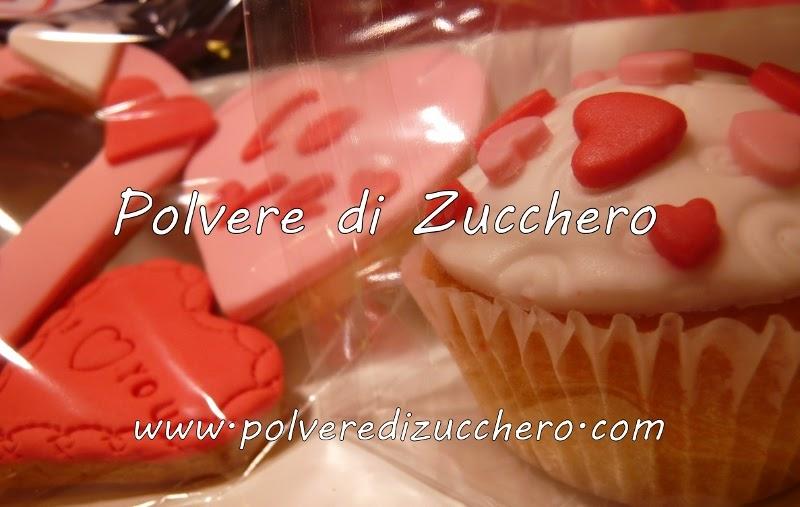 Biscotti cupcake per san valentino polvere di - Decorazione san valentino ...