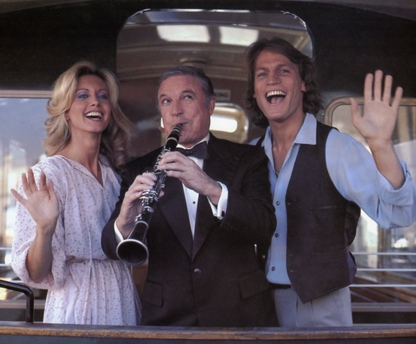 Olivia Newton-John, Gene Kelly, Michael Beck movieloversreviews.blogspot.com