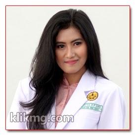 Hesti Model Purwokerto - Mahasiswi Kedokteran yang Cantik, Kalau begini Dokternya, pasti Pasiennya banyak nih :) | Dentistry in Beauty