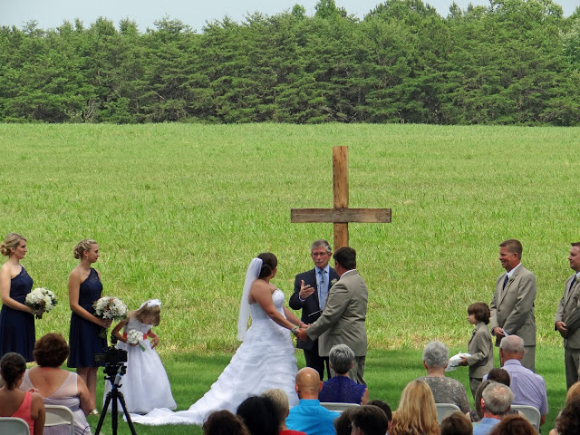 Lenora\'s Legacy Estate: Outdoor Wedding Ceremony Altars and Backdrops
