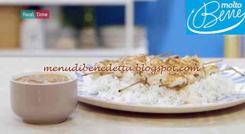 Spiedini di pollo con salsa satay ricetta Parodi per Molto Bene