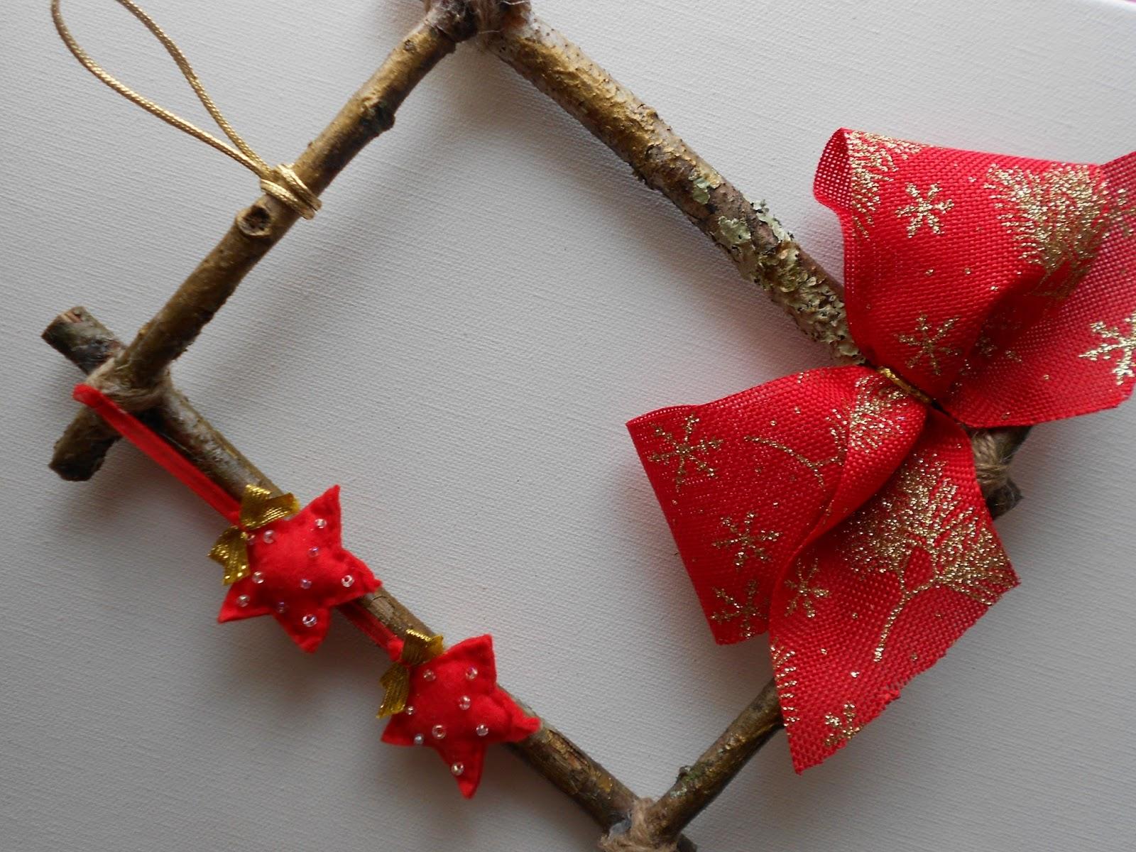 Mar amanual coronas y adornos navide os para la puerta for Adornos originales para navidad