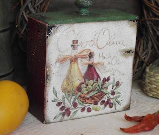 Короб декупаж с оливками