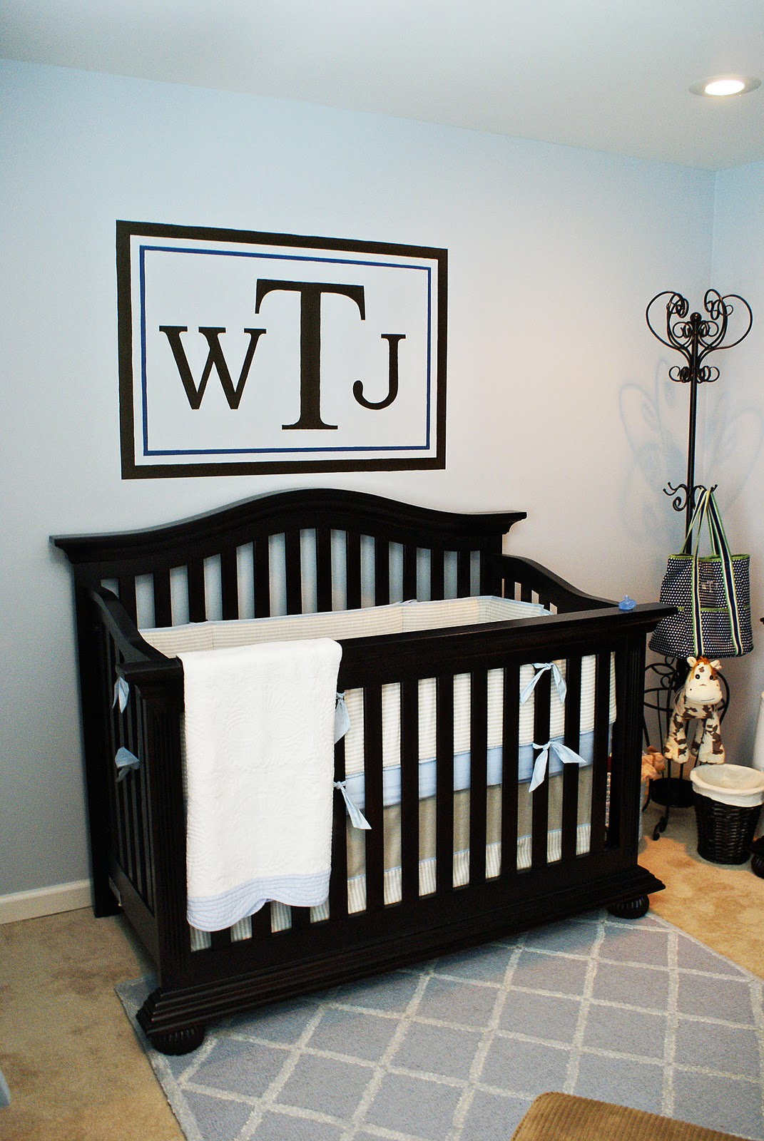 Defining designs sweet baby boy nursery for Above the crib decoration ideas