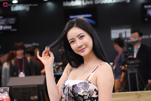 5 Min Soo Ah - KOBA 2013 -Very cute asian girl - girlcute4u.blogspot.com