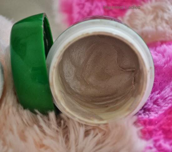 Biotique-Bio-Clove-open-cap-+-herbal-face-pack