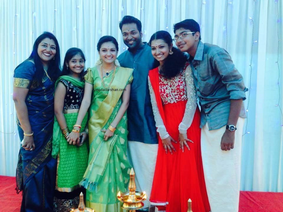 Actress Saranya Mohan and Aravind with their sisters and family memebers