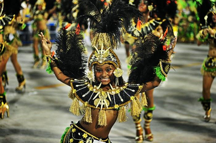 girl dancing carnival