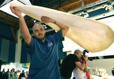 bradley johnson dough stretch at world pizza championships 2015
