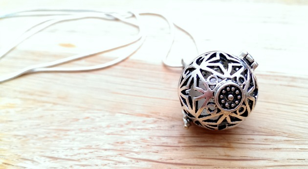 A close up of the enchanted pendant