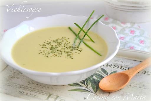 Vichyssoise o vichisuas, sopa de puerros fría o caliente. Con y sin Thermomix.