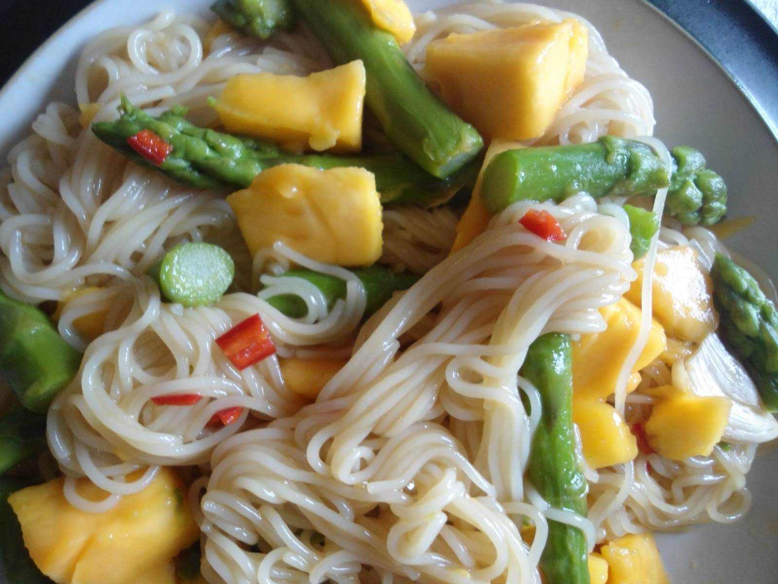 Thai Rice Noodles with Mango and Asparagus