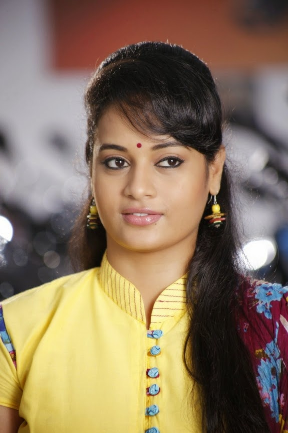 Tamil actress Suja Varunee Latest Cute  photo stills gallery, Suja Varunee, Suja Varunee Hot Images, HD Actress Gallery, latest Actress HD Photo Gallery, Latest actress Stills, Tamil Actress, Tamil Actress photo Gallery, Beautiful pics, Indian Actress,