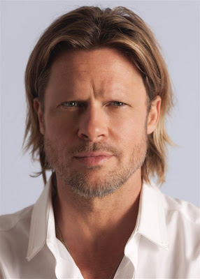 Brad Pitt with no eyebrows www.thebrighterwriter.blogspot.com