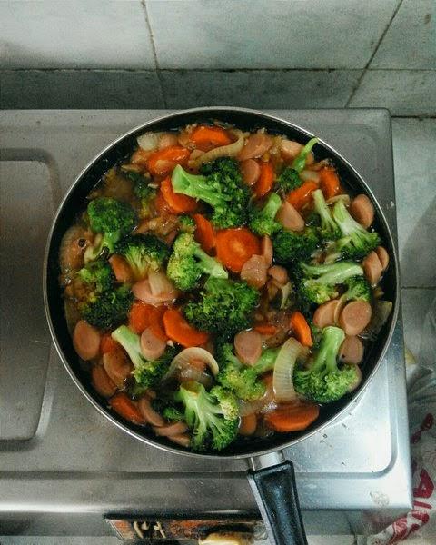 Resep Tumis Brokoli Wortel Sosis Saus Tiram