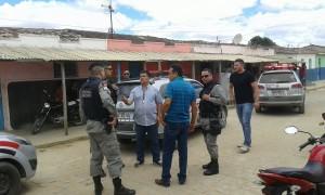 Polícias tentam capturar acusado de assaltar loja de celulares em Nova Floresta