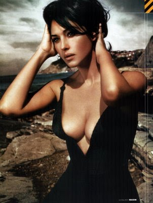 Monica Bellucci Hot Pictures
