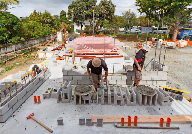 Concrete block walls the new zealand 39 s first passive house for Block home builders in florida