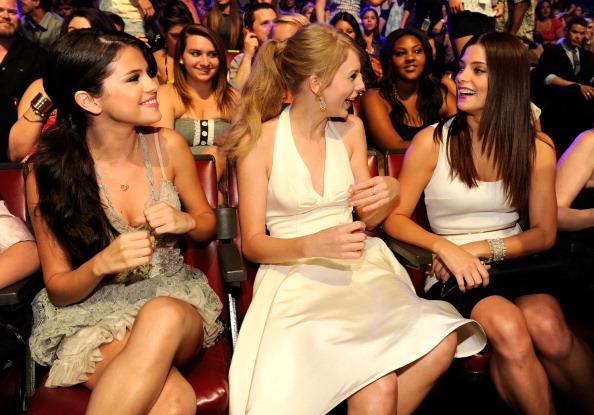 Teen Choice Awards [07-08-11] TCA%2B2011%2Bsalle%2B01