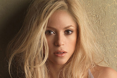 Shakira - The Artist of the Year 2011
