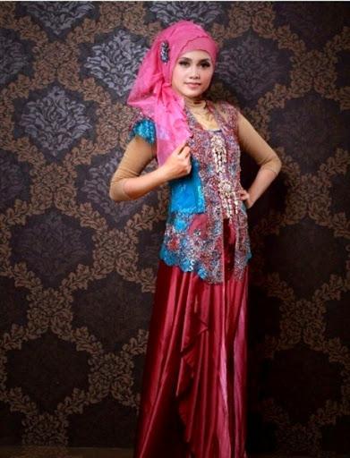 Trend Model Baju Kebaya Wisuda muslim syar'i Modis dan Elegan Terbaru 2017/2018