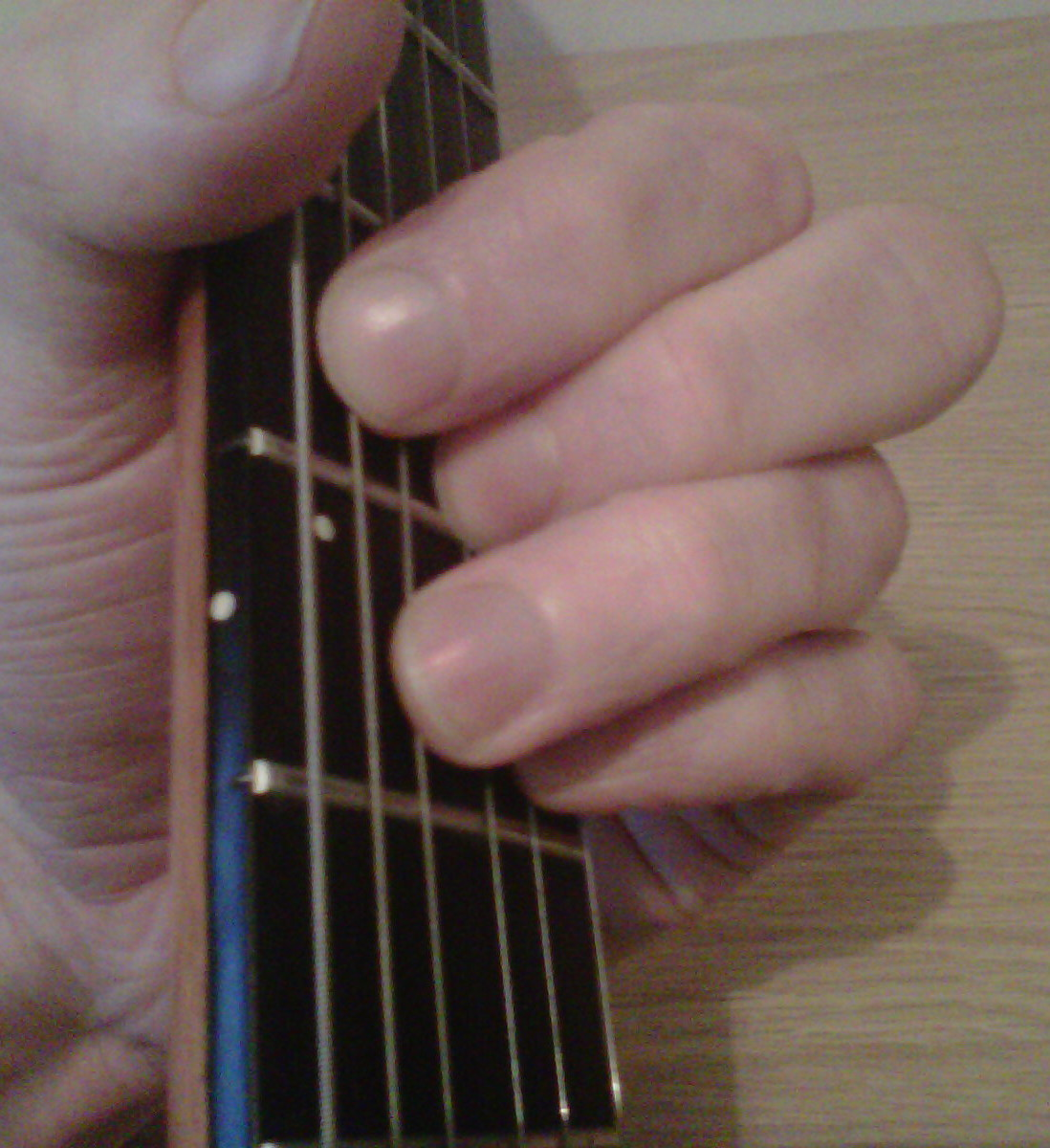 how to play e7 on guitar