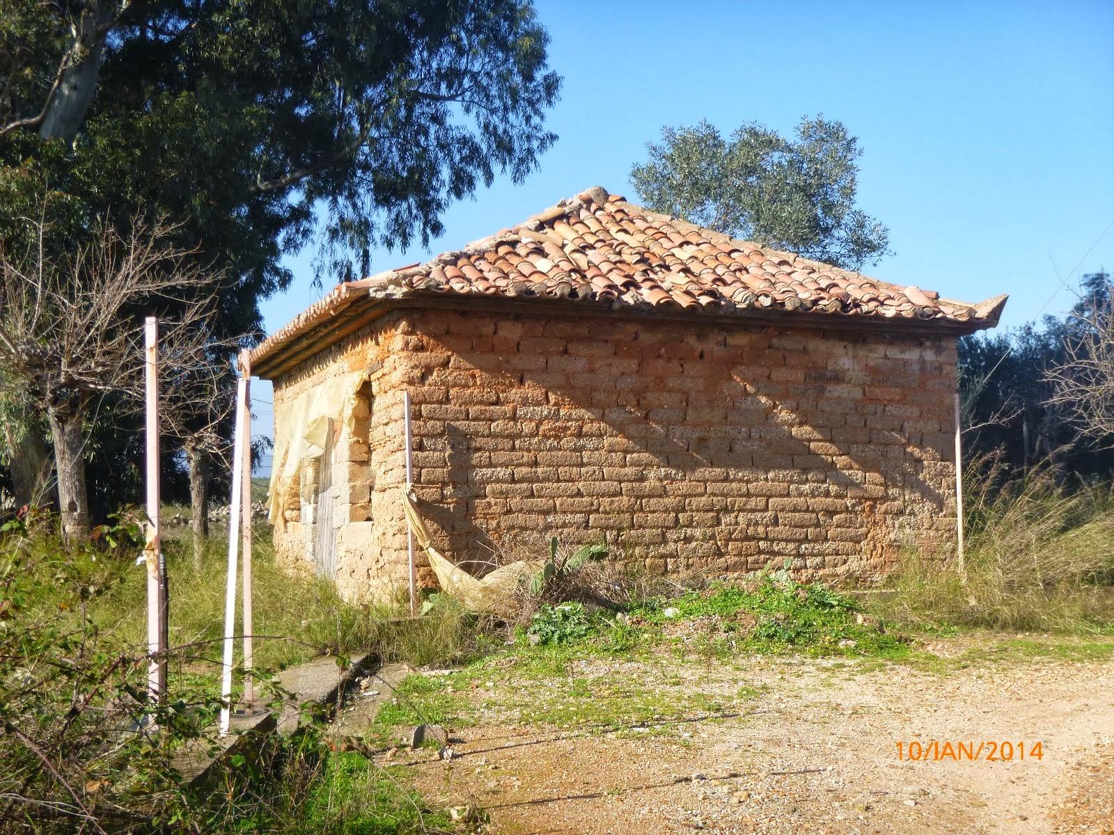 Πλύνθινο  σπίτι στο  Αρφαρά Καλαμάτας   2013
