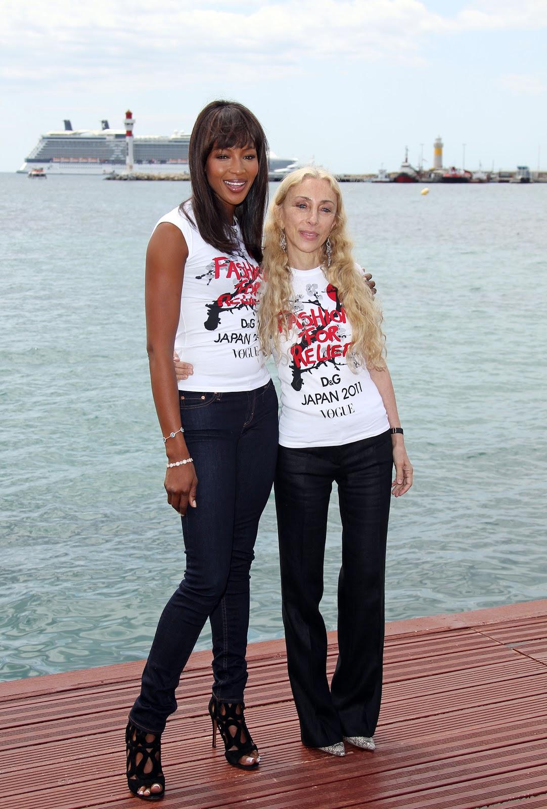 http://4.bp.blogspot.com/-DV3Hk0PmWyc/TdtzWdGIw-I/AAAAAAAAFQs/KBRwgMDlVVs/s1600/fashion_for_relief_07_wenn3342203.jpg