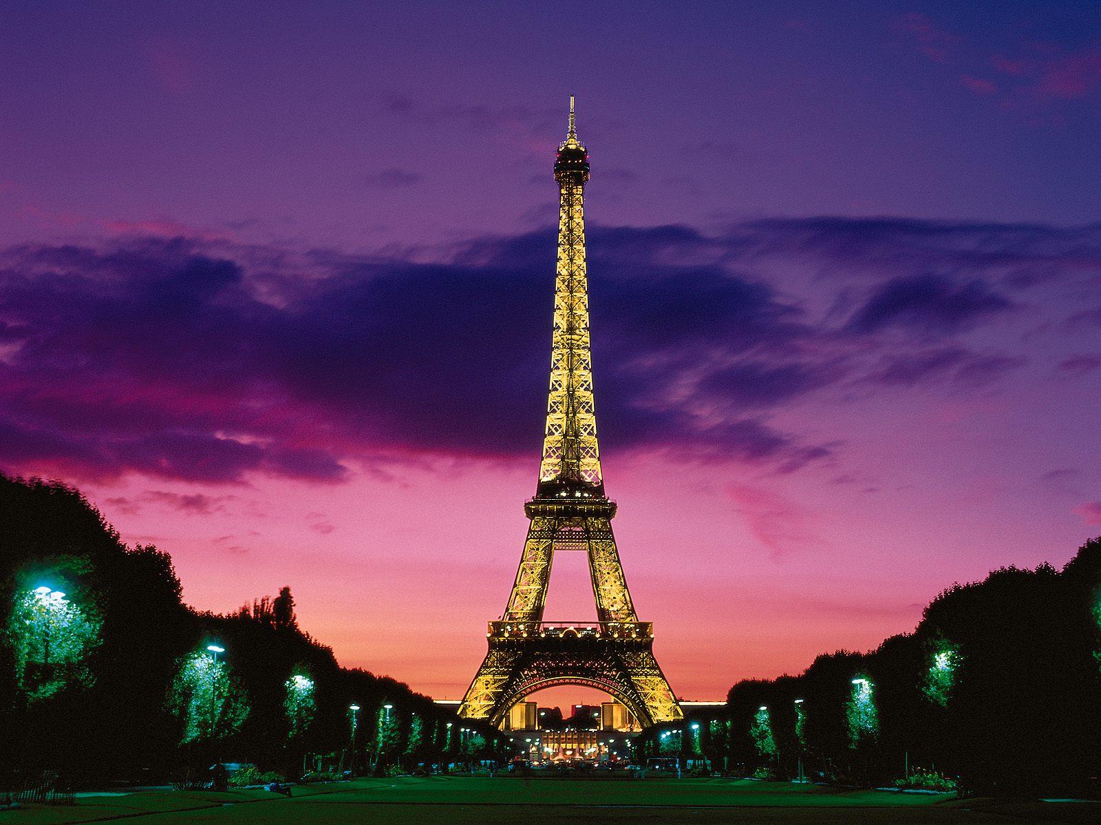 Eiffel tower hd wallpapers beautiful eiffel tower night for Paris orange card