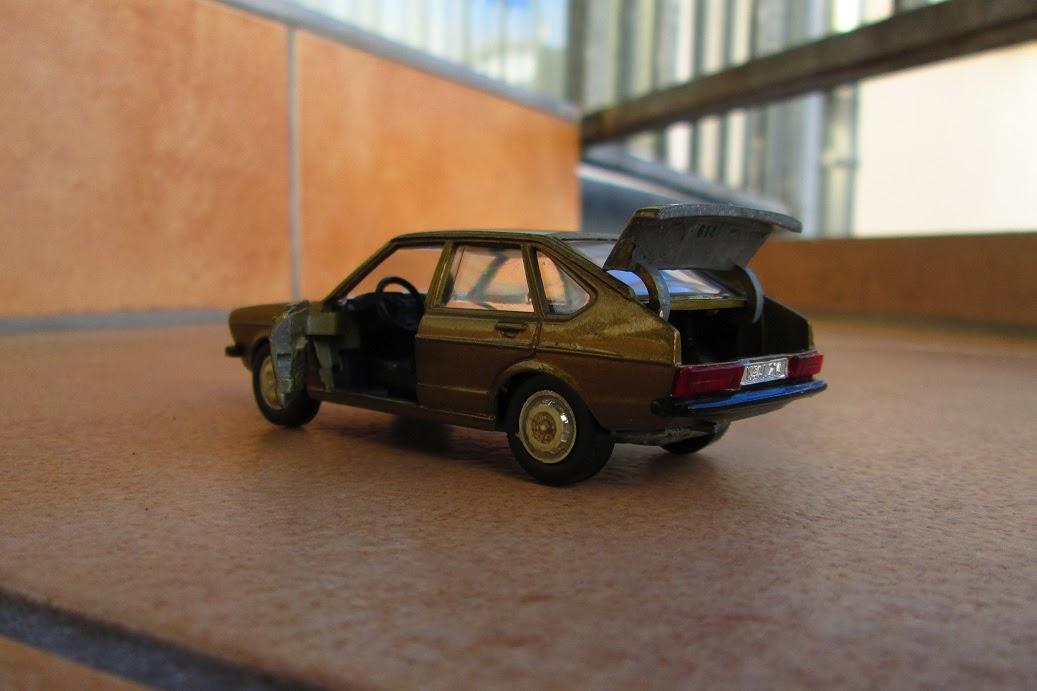 modellauto news vw passat 1976 das modellauto das vorbild und ihre zeit. Black Bedroom Furniture Sets. Home Design Ideas