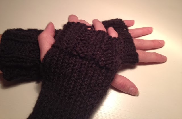 Twocreativewomen Diy Easy Knit Fingerless Gloves