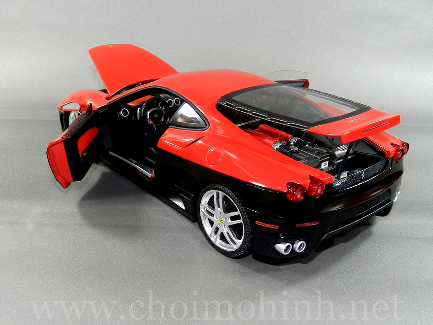 Ferrari F430 Red-Black 1:18 Hot Wheels Elite door