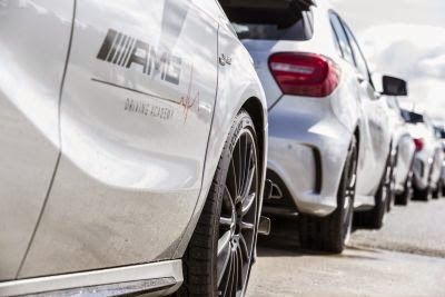 Dunlop devine partener oficial de anvelope pentru AMG Driving Academy