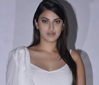 Anushka Ranjan (2).jpg