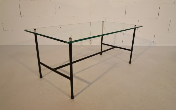 Table basse Moderniste