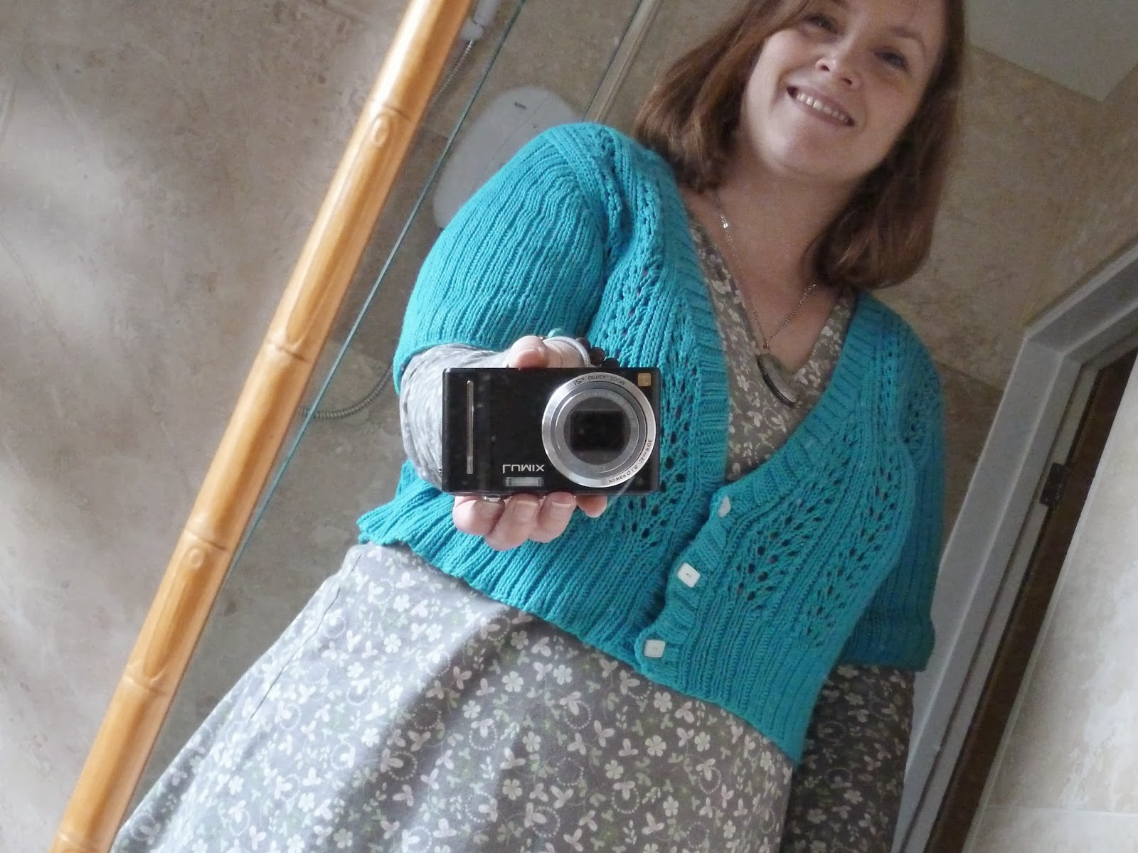 Double V Cardigan - Melissa Wehrle - cropped with different sleeves