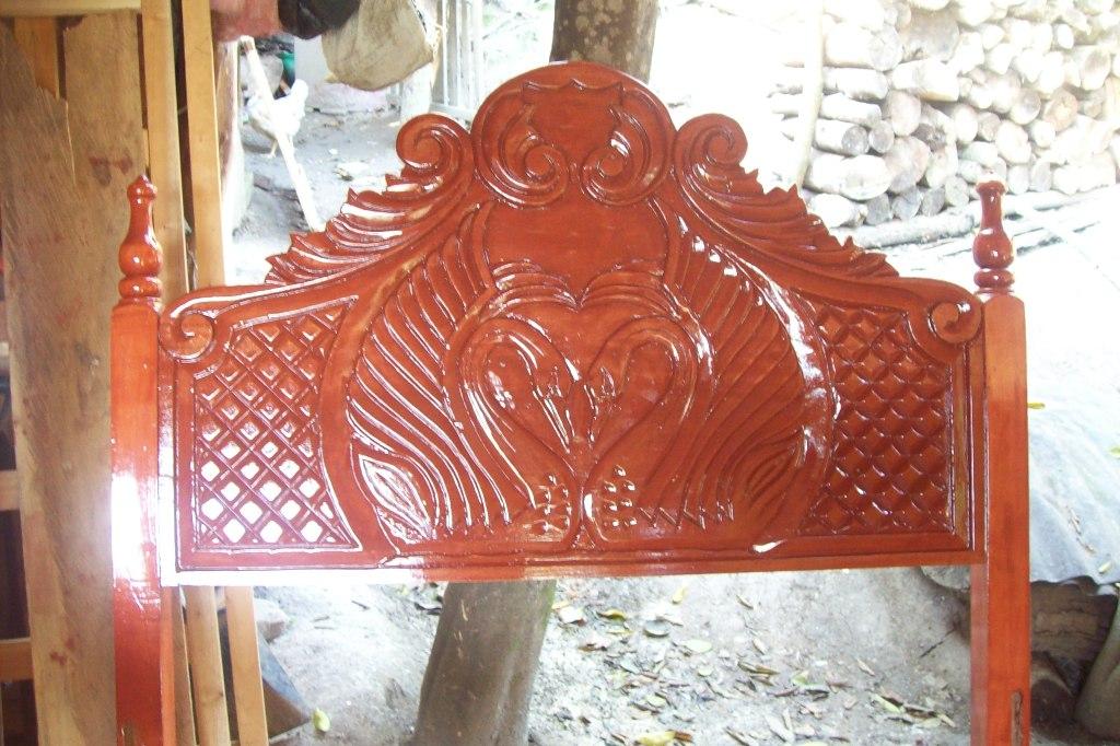 Camas rusticas elaborados con madera de cedro rojo, 100% de cedro Con