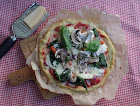 easy cauliflower pizza.