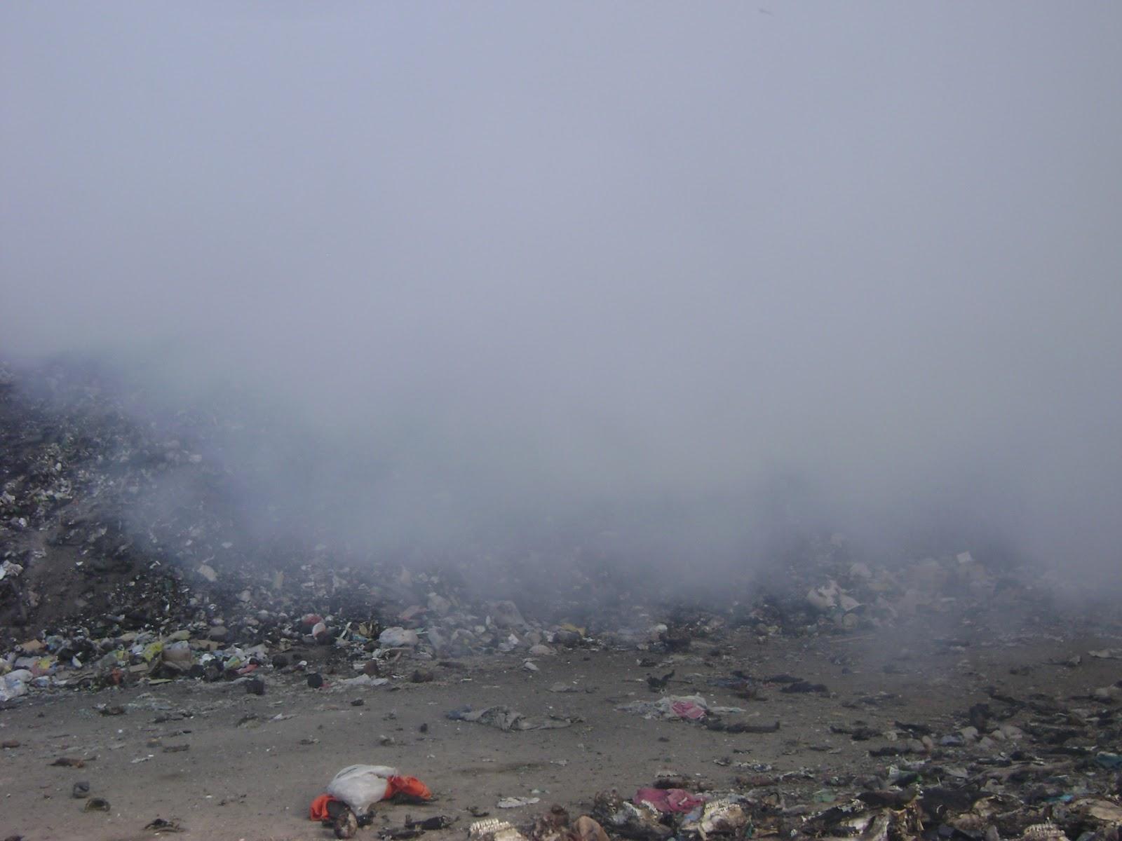 Resultado de imagem para fumaça lixo