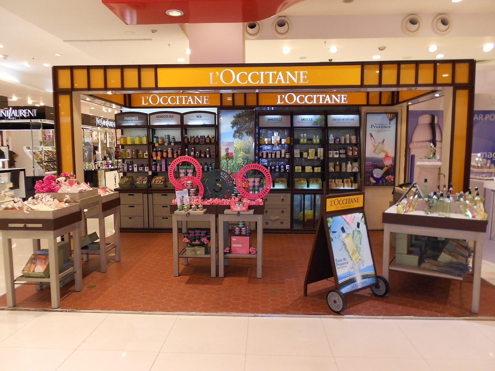 L'Occitane L'Occitane stores in Palo Alto CA - Hours, locations and phones Find here all the L'Occitane stores in Palo Alto CA. To access the details of the store (locations, store hours, website and current deals) click on the location or the store name. More information from L'Occitane.