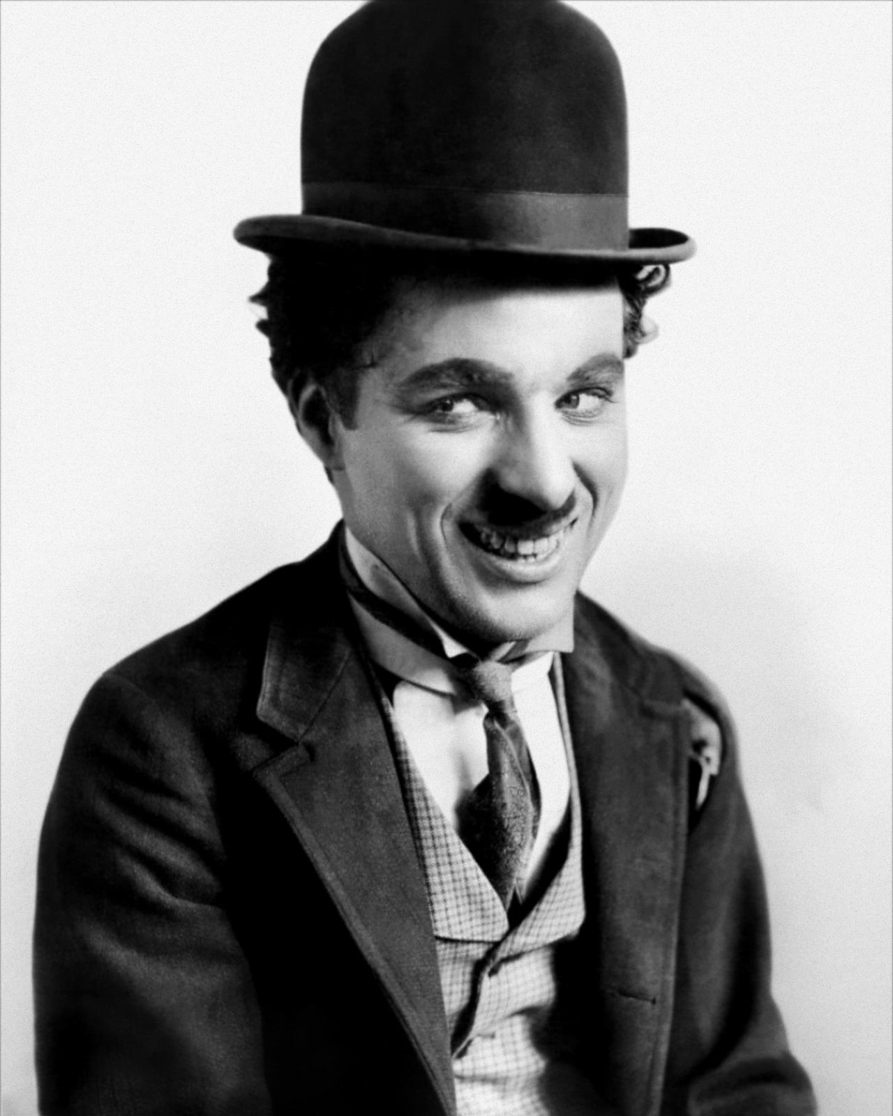 Imagen de Charles Chaplin interpretando a Charlot