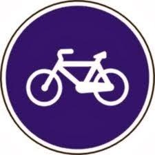Señal de carril bici en Las Tablas Madrid
