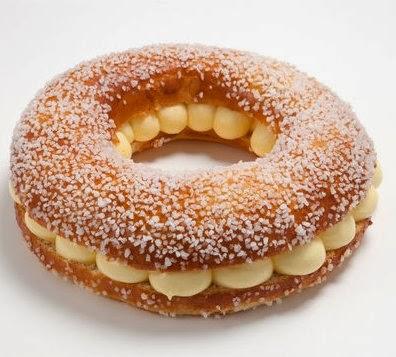 La célèbre tarte tropézienne nous décline sa spécialité dans une couronne briochée tropézienne.