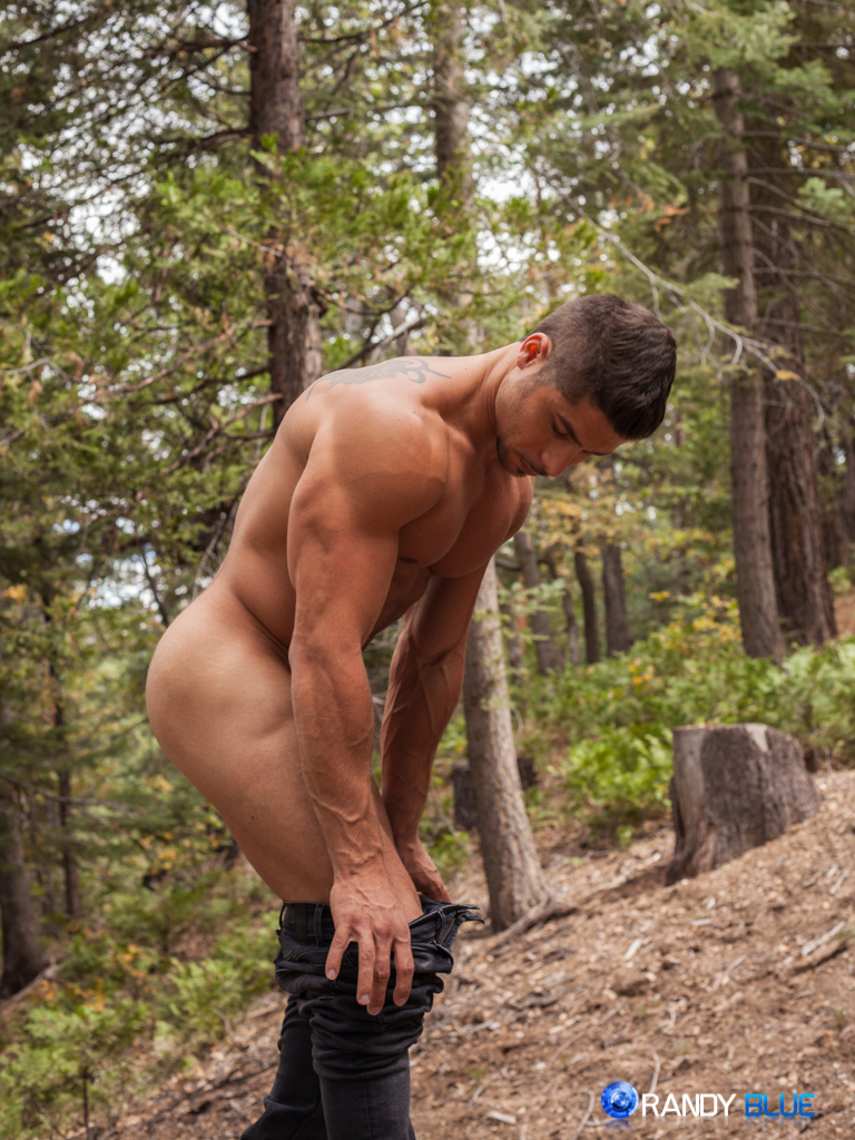 4 Mature Guys Banging In The Woods