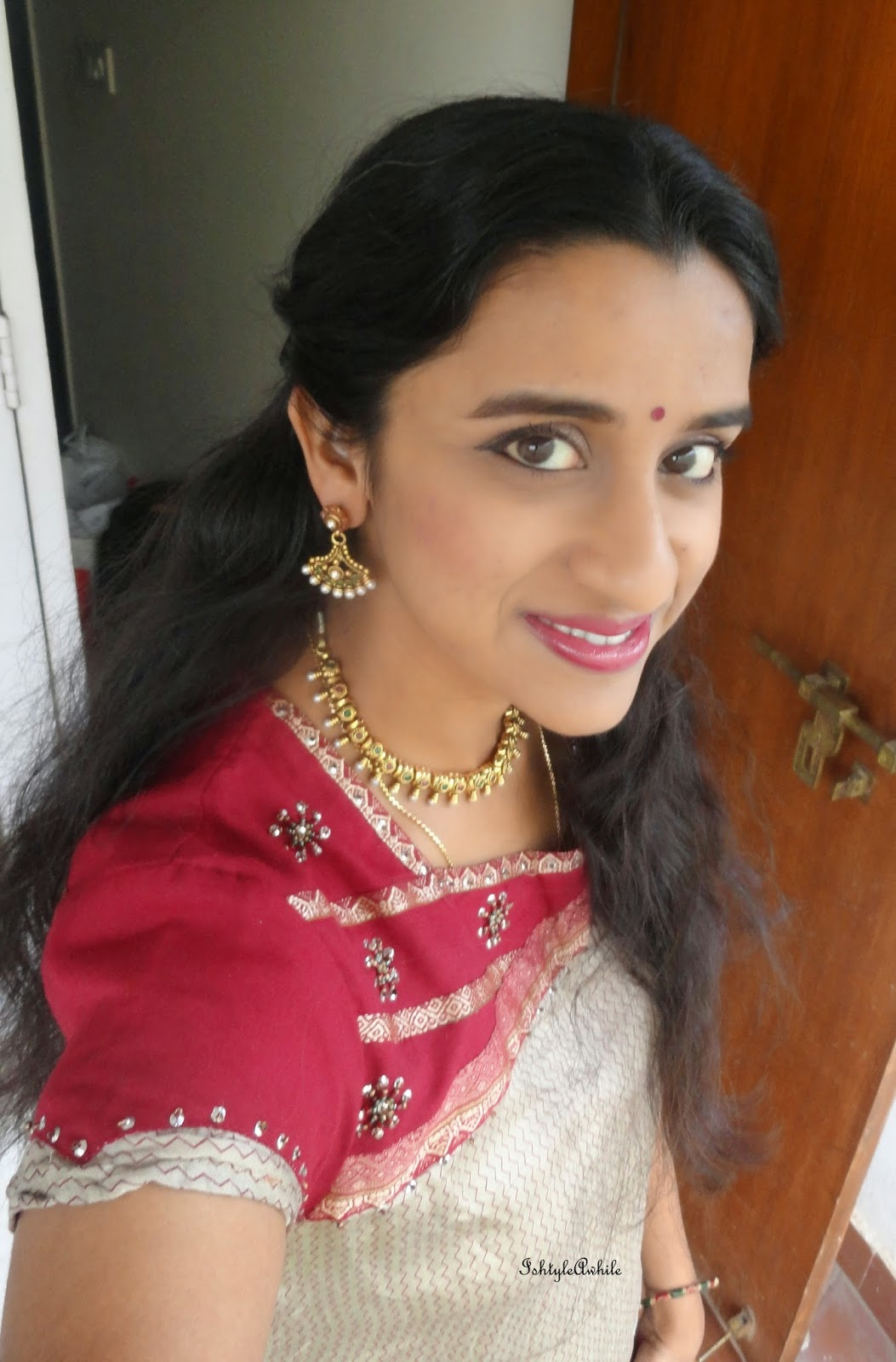 LOTD: A traditional look for a house warming ceremony. image