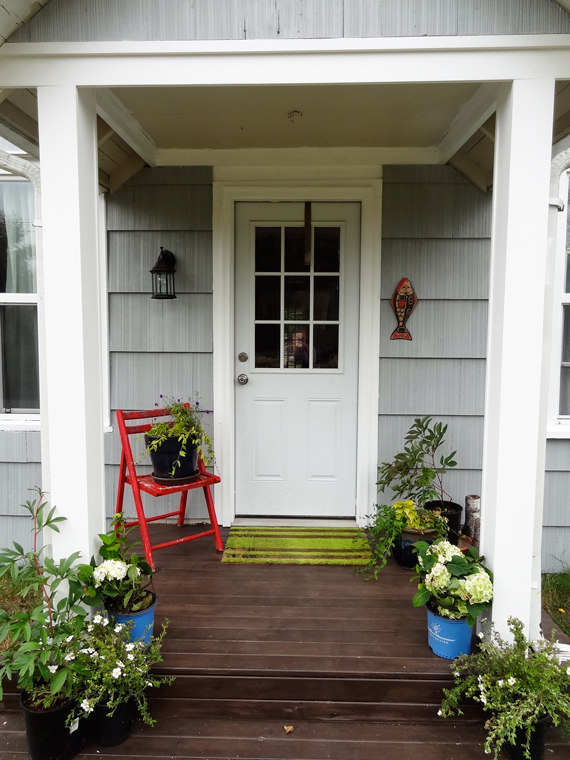 Curb appeal diy porch columns revamp homegoods solutioingenieria Choice Image