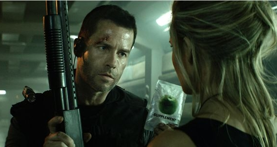 MS1: Máxima Seguridad (Lockout), con Guy Pearce y Maggie Grace